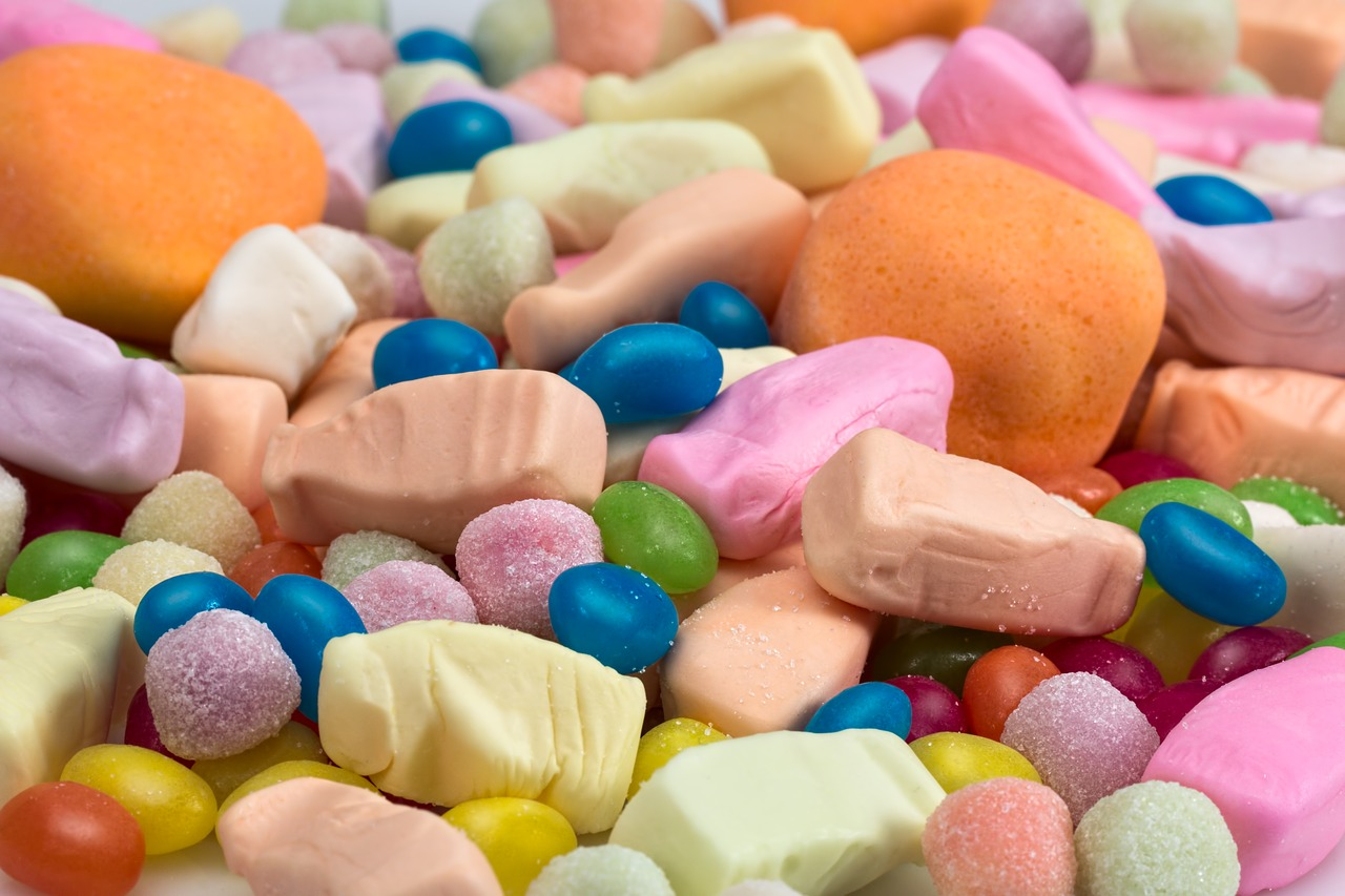 Pianki marshmallow – dekoracja albo przekąska. Małe pianki marshmallow – gdzie kupić?
