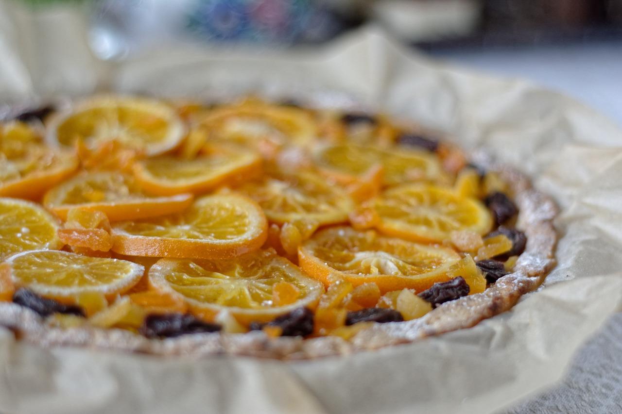 Jak Wielkanoc, to koniecznie z mazurkiem – mazurek kajmakowy z pomarańczami.