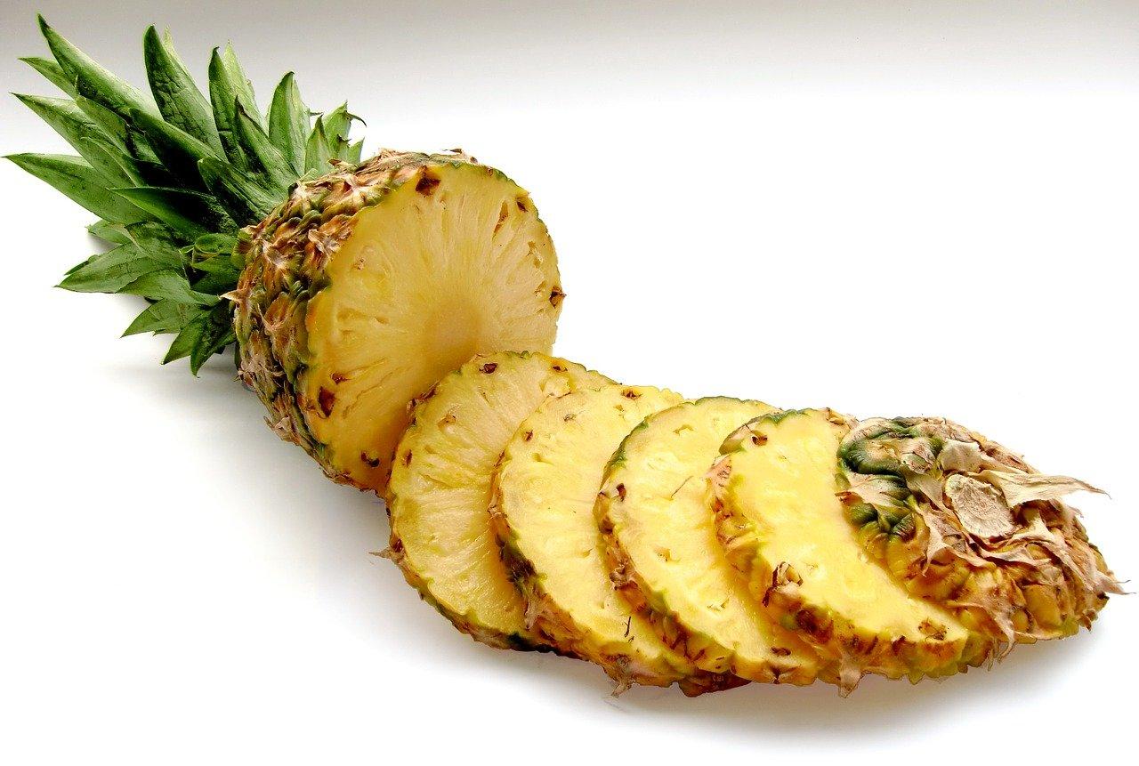 jak podać ananasa